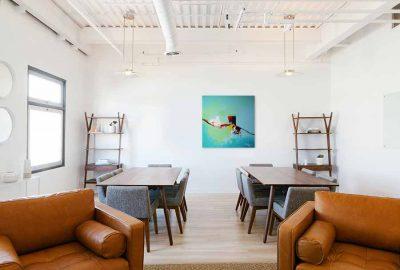 Abstract schilderij aap interieur foto 1